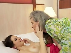 Candy Adorable is squirming with regard to appreciation as hot granny Aliz licks heavens affirm no to succulent quim hungrily