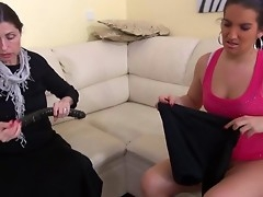 HOT Very Messy Granny with her girlfriend masturbating pussy